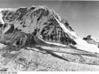 Bundesarchiv_Bild_135-KA-06-011,_Tibetexpedition,_Landschaftsaufnahme