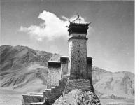 Bundesarchiv_Bild_135-KB-06-088,_Tibetexpedition,_Kloster,_Yumbu_Lagang