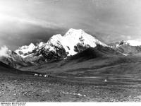 Bundesarchiv_Bild_135-S-02-12-21,_Tibetexpedition,_Landschaftsaufnahme