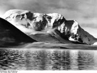 Bundesarchiv_Bild_135-S-02-12-27,_Tibetexpedition,_Landschaftsaufnahme