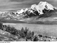 Bundesarchiv_Bild_135-S-05-11-27,_Tibetexpedition,_Landschaftsaufnahme