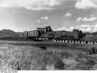 Bundesarchiv_Bild_135-S-06-06-32,_Tibetexpedition,_Blick_auf_Phari_Dzong