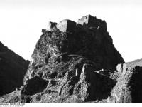 Bundesarchiv_Bild_135-S-10-23-06,_Tibetexpedition,_Gobschi,_Burg