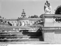 Bundesarchiv_Bild_170-524,_Potsdam,_Sanssouci,_Bildergalerie
