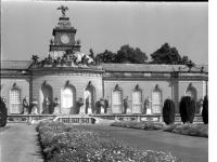 Bundesarchiv_Bild_170-525,_Potsdam,_Sanssouci,_Bildergalerie
