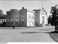 Bundesarchiv_Bild_170-546,_Potsdam,_Sanssouci,_Schloß_Charlottenhof