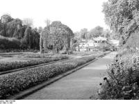 Bundesarchiv_Bild_170-550,_Potsdam,_Sanssouci,_Schloß_Charlottenhof