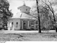 Bundesarchiv_Bild_170-558,_Potsdam,_Sanssouci,_Chinesisches_Teehaus