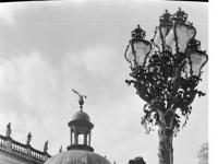 Bundesarchiv_Bild_170-643,_Potsdam,_Sanssouci,_Kandelaber_am_Neuen_Palais