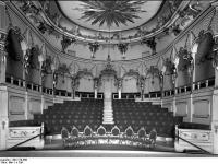 Bundesarchiv_Bild_170-660,_Potsdam,_Sanssouci,_Theater_im_Neuen_Palais