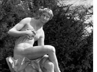 Bundesarchiv_Bild_170-723,_Potsdam,_Sanssouci,_Figur_an_der_Großen_Fontaine