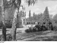 Bundesarchiv_Bild_170-775,_Potsdam,_Sanssouci,_Römische_Bäder