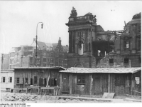 Bundesarchiv_Bild_183-09128-0006,_Berlin,_Stadtschloss,_Abriss