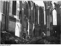 Bundesarchiv_Bild_183-09403-0003,_Berlin,_Nikolaikirche,_Ruine,_Trümmer
