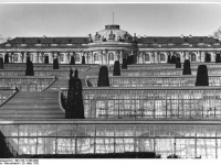 Bundesarchiv_Bild_183-14188-0001,_Potsdam,_Schloss_Sanssouci