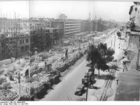 Bundesarchiv_Bild_183-14954-0003,_Berlin,_Bau_Karl-Marx-Allee,_Abschnitt_Süd