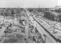 Bundesarchiv_Bild_183-14954-0008,_Berlin,_Bau_Karl-Marx-Allee,_Block_C-Nord,_D-Süd,_C-Süd