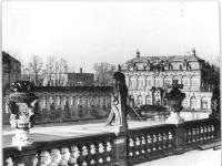 Bundesarchiv_Bild_183-18055-0026A,_Dresden,_Zwinger,_Wiederaufbau