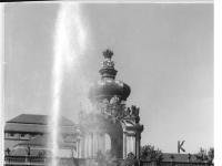 Bundesarchiv_Bild_183-18055-0027,_Dresden,_Zwinger,_Kronentor