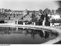 Bundesarchiv_Bild_183-18890-0001,_Potsdam,_Schloss_Sanssouci