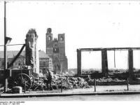 Bundesarchiv_Bild_183-19234-0003,_Magdeburg,_Johanniskirche,_Trümmer