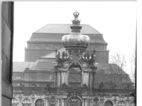 Bundesarchiv_Bild_183-1982-0410-018,_Dresden,_Zwinger
