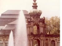 Bundesarchiv_Bild_183-1982-1013-426,_Dresden,_Zwinger,_Kronentor