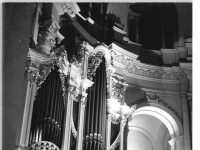Bundesarchiv_Bild_183-1983-0110-019,_Dresden,_Hofkirche,_Orgel,_Chor