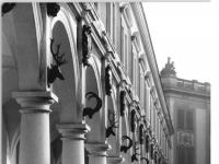 Bundesarchiv_Bild_183-1983-0207-012,_Dresden,_Schloss,_Stallhof,_Langer_Gang