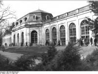Bundesarchiv_Bild_183-1983-0331-012,_Dresden,_Schloss_Pillnitz,_Orangerie
