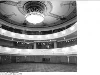Bundesarchiv_Bild_183-1983-0926-023,_Berlin,_Deutsches_Theater,_Zuschauerraum