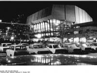 Bundesarchiv_Bild_183-1983-1008-013,_Leipzig,__Neues_Gewandhaus_,_Nacht