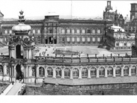 Bundesarchiv_Bild_183-1984-1008-007,_Dresden,_Zwinger