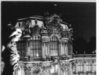 Bundesarchiv_Bild_183-1985-0123-010,_Dresden,_Zwinger,_Wallpavillon,_Winter,_Nacht