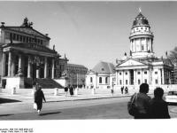 Berlin, Gendarmenmarkt, Schauspielhaus, Französischer Dom (1985)