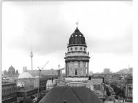 Bundesarchiv_Bild_183-1985-0711-359,_Berlin,_Französische_Friedrichstadtkirche,_Gendarmenmarkt