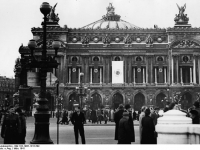 Bundesarchiv Bild 183-1985-1216-509 Paris Oper