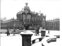 Bundesarchiv_Bild_183-1986-0104-018,_Dresden,_Zwinger,_Winter