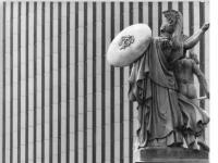 Bundesarchiv_Bild_183-1986-0610-036,_Berlin,_Denkmäler_Schlossbrücke
