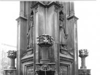 Bundesarchiv_Bild_183-1986-0928-007,_Dresden,_Brunnen