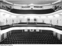 Bundesarchiv_Bild_183-1986-1003-015,_Cottbus,_Theater,_Großes_Haus