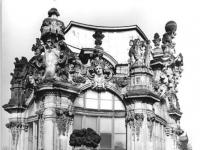 Bundesarchiv_Bild_183-1987-0311-028,_Dresden,_Zwinger