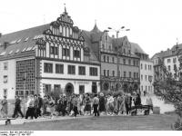 Bundesarchiv_Bild_183-1987-0522-012,_Weimar,_Marktplatz,_Cranach-Haus