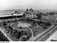 Berlin, Marx-Engels-Forum, Dom, Palast der Republik (27 Mai 1987)