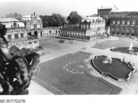 Bundesarchiv_Bild_183-1987-1014-005,_Dresden,_Zwinger