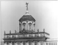 Bundesarchiv_Bild_183-1988-0608-024,_Potsdam,_Altes_Rathaus,_Kulturhaus__Hans_Marchwitza_