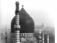 Bundesarchiv_Bild_183-1988-0727-005,_Dresden,_Tabakkontor,_Tabakfabrik