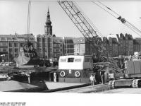 Bundesarchiv_Bild_183-1989-0610-008,_Greifswald,_Wohnhäuser_am_Hafen