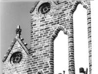 Bundesarchiv_Bild_183-1989-0726-008,_Neubrandenburg,_Neues_Tor