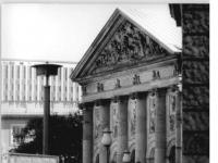 Bundesarchiv_Bild_183-1989-1003-035,_Berlin,_St.Hedwigs-Kirche,_DDR-Außenministerium